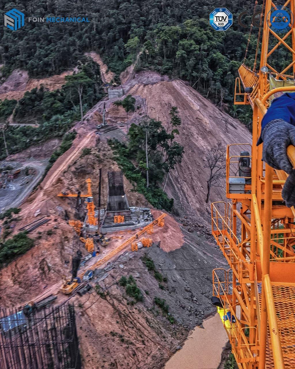 Cẩu-tháp-đầu-chóp-đang-lắp-đặt-ở-công-trình-thủy-điện