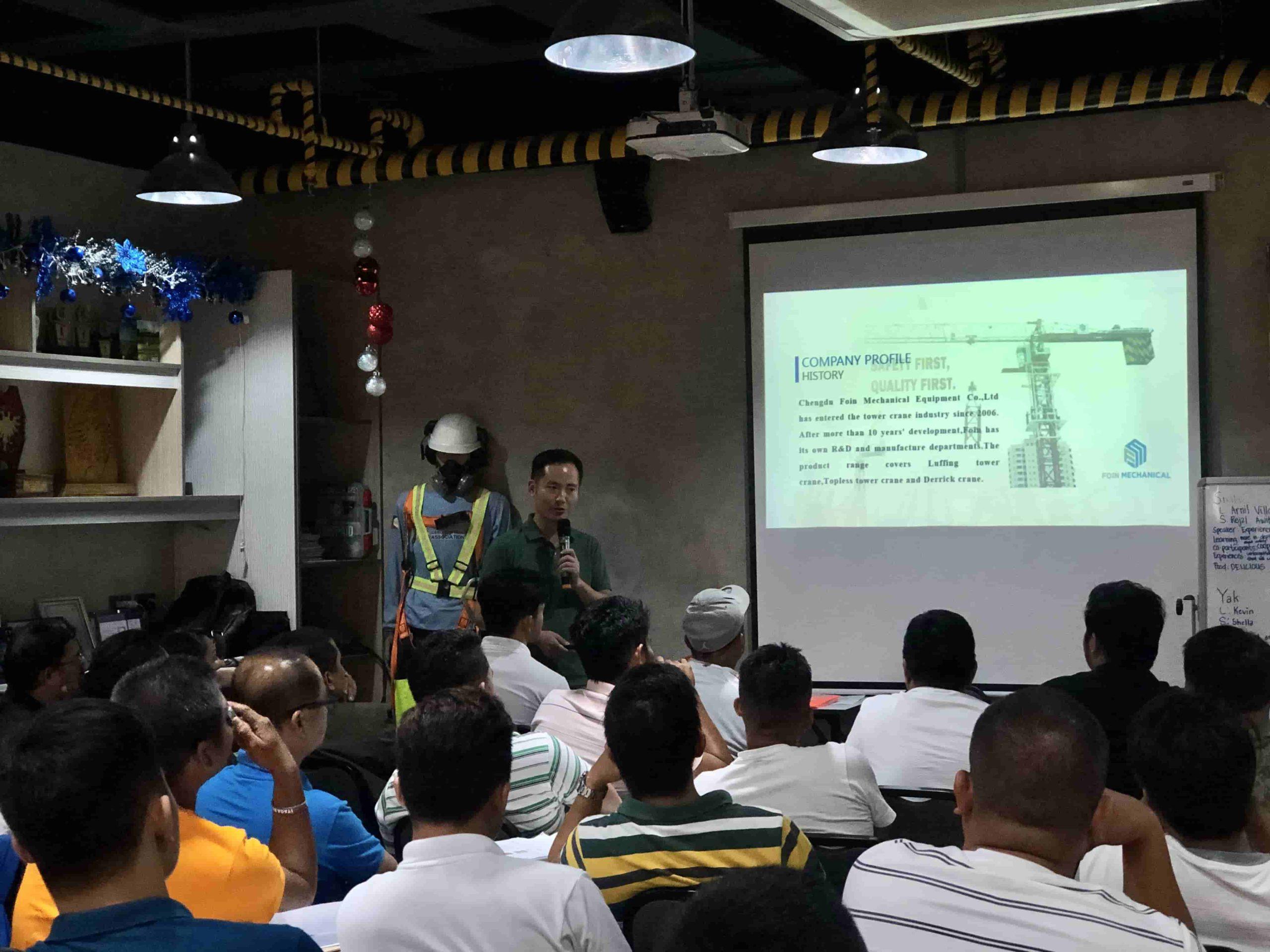 Cần trục tháp FOIN tại buổi giới thiệu sản phẩm của Hiệp hội các nhà xây dựng Philippines